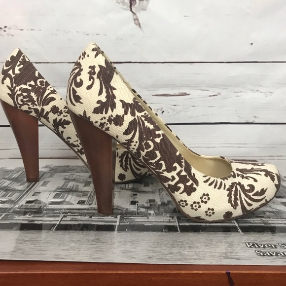 Tribeca by Kenneth Cole Wooden Heels Size 8 1/2
